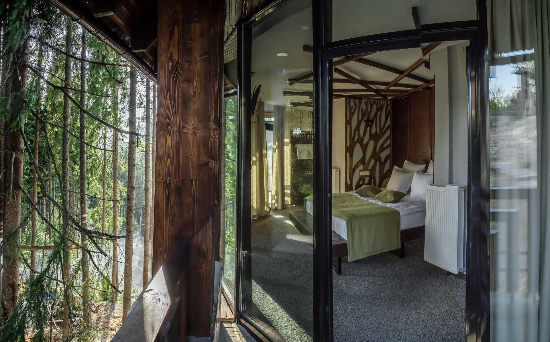 Котедж Ротонда з прекрасним видом на ліс