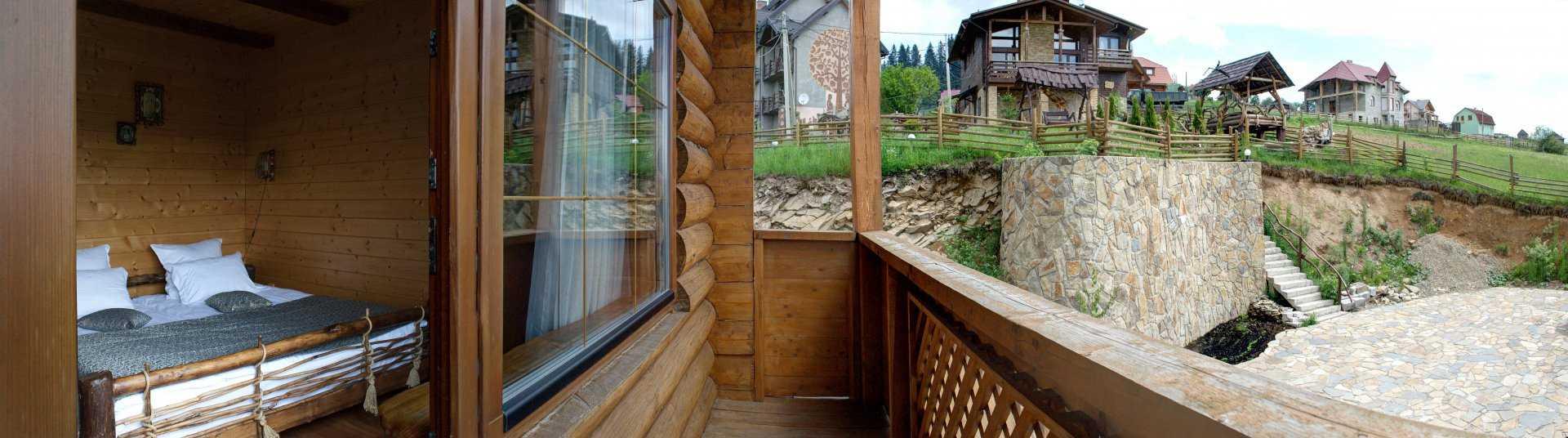 Номер Півлюкс №1 з балконом | Стара Правда